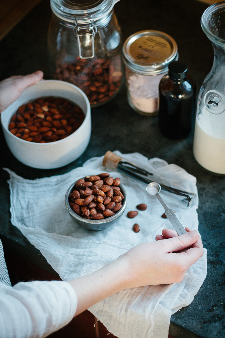 Almond milk recipe by Conscious by Chloé