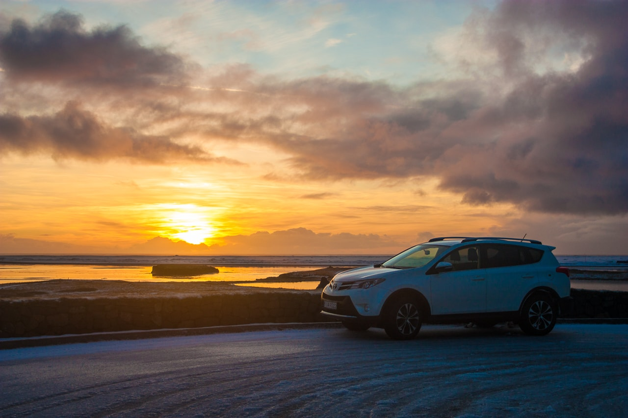 Iceland winter road trip - 4x4 Toyota Rav 4 - by Conscious by Chloé